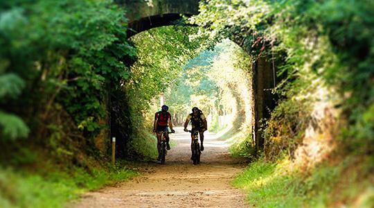 01-railtrail-cyclotourism-bike-trip-girona-cycling-costa-brava-pyrenee-bicycle-greenway